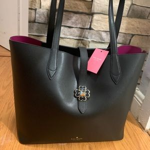 Authentic Kate Spade leather 2Tone flower tote🌺